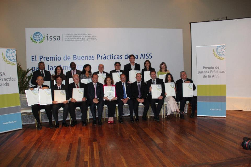 Derrama Magisterial obtiene certificado al mérito por Buenas Prácticas