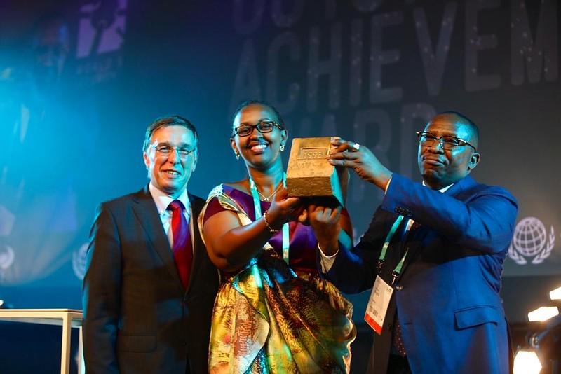 Rwanda gana el Premio de la AISS a Logros Destacados en Seguridad Social