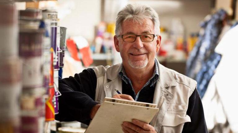 OIT:  Cómo garantizar que los trabajadores mayores participen plenamente de la recuperación después de la pandemia (Opinión)